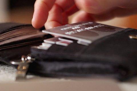 Selv om det blir stadig mer vanlig å betale med kort eller via nettbank, er lovens utgangspunkt at man fortsatt skal kunne betale kontant hos betalingsmottaker.
