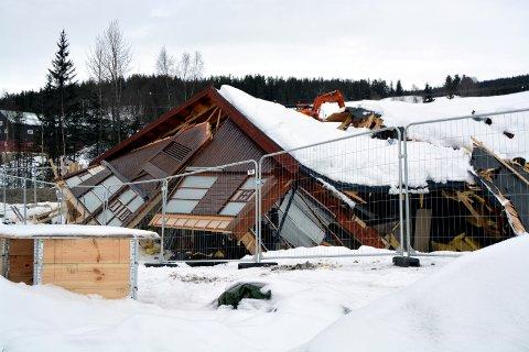 Raste saman: Rogne barnehage kollapsa under ombygging vinteren 2014. Heldigvis vart ingen arbeidarar skadd.Arkivfoto: Petter Wang