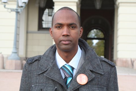 Hassan Khaire fra Mogadishu og Vestre Slidre er Flyktninghjelpens landdirektør i Somalia og Kenya. Bildet er fra 2010, da han hadde vært på audiens hos Dronning Sonja.