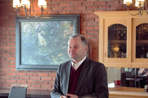 Reiselivsmeldinga: Høyrepolitiker Olemic Thommessen møtte både reiselivsnæring og hyttefolk på Beitostølen nylig.