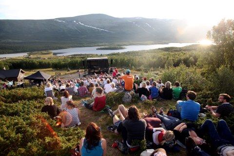 Solefallskonsert: Tirsdag kveld er det, tradisjonen tro, klart for nok en solefallskonsert på Jaslangen.