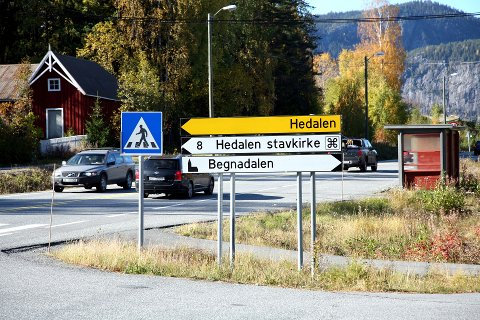 50-SONE: Her ved Begnadalen skole er farten ofte høg. Det er 50-sone, men med 80-sone før og etter strekninga. Mange bremser ikke opp og mister førerkortet eller får høg bot.