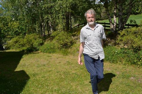 Dansar enno: Ingar Ranheim tek lett nokre dansesteg på plenen heime på Fagernes. Hadde kona Ellen Persvold vore heime, kunne det kanskje vorte råd med ein rundsnu også.