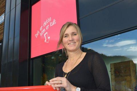 Lager liv: Senterleder Heidi Arnesen vil engasjere lokalmiljøet, og skape minneverdige innsamlingsaksjoner på Fagernes Kjøpesenter denne måneden.