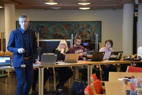 Rådmann Kristian Sagnes Damstuen fikk et enstemmig kommunestyret med på å omorganisere brannvesenet. Arkivfoto