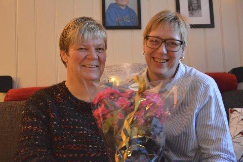 Takker: Torunn (t.v.) og Mona Gudheim Bekkelund får en juleglede for sin omtanke for naboer, eldre og ensomme.