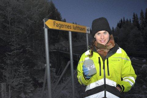 Positivt resultat: Prøver miljørådgiver Marthe-Lise Søvik i Norconsult tok i brønner og tjern nær Leirin, inneholdt ingen, eller små, og dermed ufarlige, konsentrasjoner av PFOS.