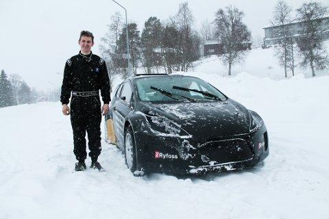 Petter Leirhol med sitt nye vidunder. (Foto:Silje F.Øyen)