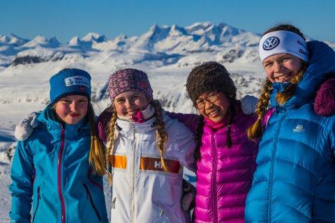 På tur: Leah Emilie Hannesdottir, Stine Bergum, Linn Therese Helgesen og Sunniva Bakkene Myhre.