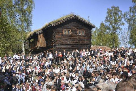 Folketalet ned: Det er mykje folk samla i Valdres på 17. mai, men folketalet går ned.