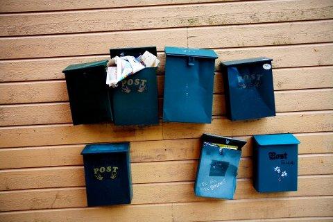 LENGRE VEI: Posten Norge ser seg nødt til å innføre færre postpunkter.