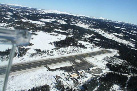 Leirin: Fagernes lufthavn Leirin sett fra lufta. Hva kan prislappen for dette bli? Geilo lufthavn Dagali gjekk for 12,5 millionar kroner.