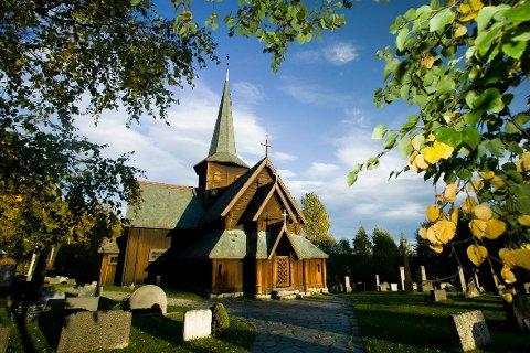 Aukande besøk i stavkyrkjene: Hedalen stavkyrkje hadde ei besøksauke på 39 prosent i 2019, samanlikna med fjoråret. Totalt vaks besøkstala med 24 prosent for alle kyrkjene i Valdres.