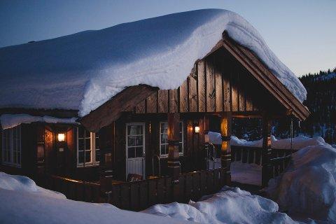 Mange benytter vinterferien til å lete etter drømmehytta. Men ha noen punkter i bakhodet for å unngå overraskelser senere, mener Huseiernes Landsforbund.