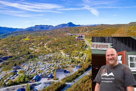 Beitostølen Hytter & Camping er lagt ut for salg, men Håvar Dale (innfelt) forteller at det ikke er dramatikk involvert. Det haster ikke, og de forventer mange års videre drift før et eventuelt salg er i boks.