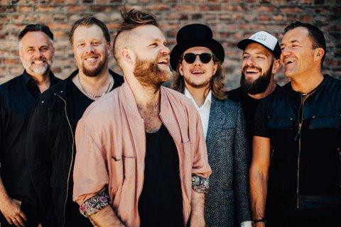 STAUT: Det lokale bandet Staut har gjennom årene blitt kjent og elsket i hele landet. De har spilt på Trollrock flere ganger, og drar det fram som et av de største øyeblikkene i sin karriere. I august spiller de på hjemmebane igjen, med utekonsert ved Bygdin.