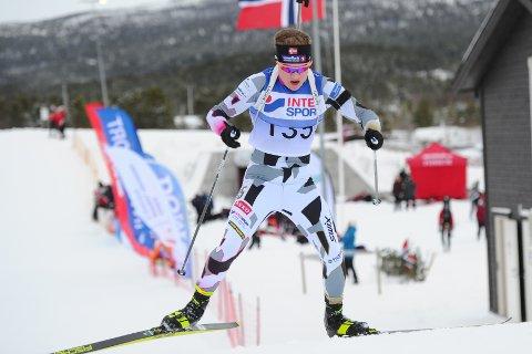 Helt villt: Nå er det yngstemann av tre, Sigurd Øygard, som troner øverst på pallen. Fredag ble han individuell norgesmester i normalprogrammet på Dombås.