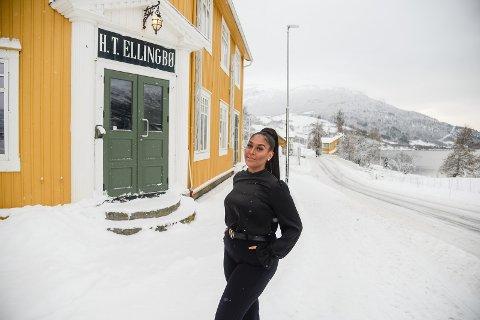 NYOPNING: Lillian Sparstad har fått leigeavtale i H.T. Ellingbøbygget i Vang sentrum og opnar «Lillys hud- og kroppsterapi» denne veka.
