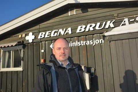 FULL DRIFT: Flere ansatte har sittet i karantene, men produksjonen går som normalt hos Begna Bruk, forteller daglig leder Trond Mæhlum.