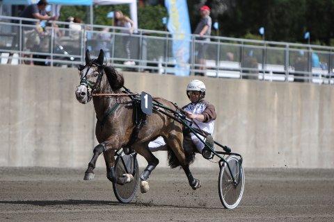 Seier: Det er lenge siden Lome Perla forsvant fra Valdres-eie, men hoppa har prestert fint, jevnt og trutt. Lørdag tok hun karrierens klart største seier.