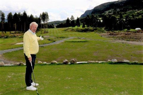 UTSLAG HULL 9: Her er utslaget på det som blir nordeuropas lengste golfhull. Par 6 på 688 meter. Ulf Krüger sier at internasjonale spillere alt har vist interesse for dette hullet. Foto: Geir Norling