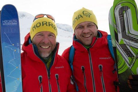 LEI: Ørjan Venås og kollega Knut-Erik Tessnes i Gjendeguiden er lei av dårlige holdninger til snusere på fjelltur.