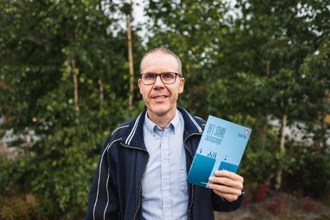 DET STORE SKOLESPRANGET: Nylig utga Alexander Meyer sin første bok - en fagbok på Universitetsforlaget. Boken undersøker hvorfor skolen ikke fungerer for mange elever.