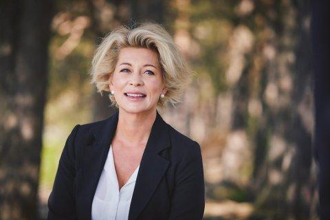 Karianne Borchrevink er inne på eiersiden i Spåtind Fjellstue på Synnfjell. Hun synes det er trist at de må stenge ned midlertidig. Foto:Arkiv
