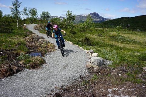Beitostølen: Marie og Kasper Madsen i fint driv på den 3,4 kilometer lange løypa ved Garli.
