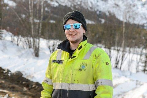 SKAFFAR SEG KOMPETANSE: Straum, Vang og Vegard Eltun er god kombinasjon. Akkurat no driv Eltun med lærlingløp hjå Vang Engergiverk AS og er involvert i fleire store prosjekt.