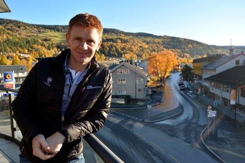 Håvard halvorsen i Nord-Aurdal Ap mener kommune er alt for dårlig å å tilby lærlingeplasser.