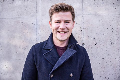 Deler tips og triks: NRK-profil og hyttevaldris Nicolay Ramm er blant dem som stiller i UKMs digitale fylkesfestival for unge til uka.