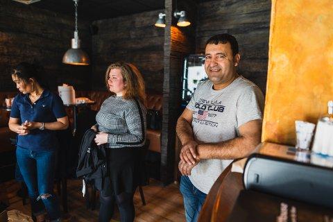 ÅPNER IGJEN: Onsdag 26. mai åpner Øner Øzturk og de ansatte på Tasty House på Fagernes dørene igjen.