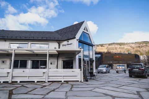 MIDLERTIDIG STENGT: Tasty House holdes stengt etter at koronasmitte er påvist hos flere av deres gjester.