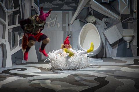 AVLYST: Tirsdag 27. april skulle Riksteatret kommet til Fagernes kulturhus med forestillingen «Høna, egget og reven» for de minste. Det blir likevel ikke noe av.