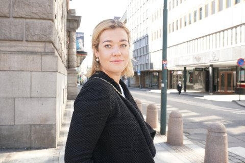 TIL VALDRES: Karoline flytter snart fra Hammerfest og stillingen som politiadvokat, til Valdres og stillingen som dommerfullmektig i Vestre Innlandet tingrett.