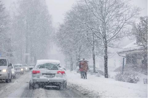 SNART VINTER: Forbered deg på snø tirsdag morgen – men den blir neppe liggende.