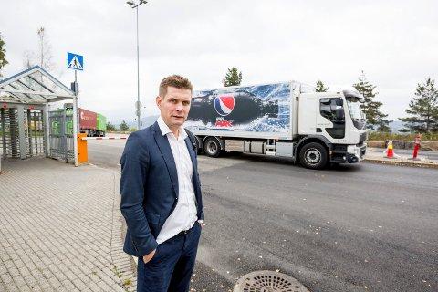 TUNG TID: Kommunikasjonssjef Nicolay Bruusgaard ved Ringnes, Gjelleråsen, er skuffet over regjeringens statsbudsjett (Foto: Tom Gustavsen).