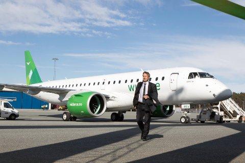 MANN I FRONT: Sjefen for Norges eldste flyselskap er en sympatisk bodøværing og turnpappa, som er bosatt helt sør i Nittedal.