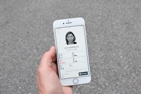 FØRERKORT-APP: Tirsdag morgen ble appen som lar deg laste ned førerkortet til mobiltelefonen gjort tilgjengelig for nedlasting.