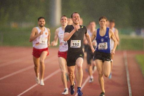 FORBEDRET REKORDEN: Thomas Roth forbedret banerekorden på 800 m på Sentralidrettsanlegget med rundt sju tideler.