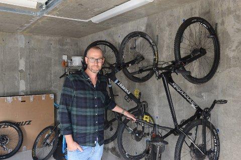 I Korningsveien 29 på Kruttverket har Christian Søgaard og familien startet opp sykkelutleie firmaet STIFOLK for å introdusere folk for stisykling.