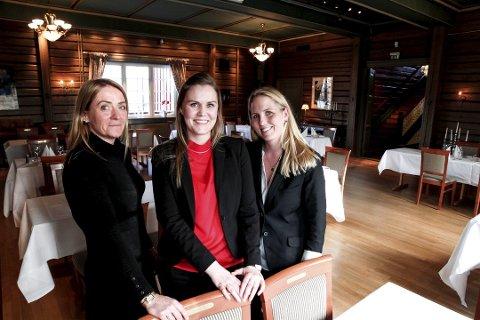 TRODDE PÅ SUKSESS: (f.v.) Siw Hausmann, Mai Røsten og Heidi Hansen var med da avtalen mellom Herredshuset og Morten's Kro var spikret. Nå viser det seg at samarbeidet er ved veis ende.