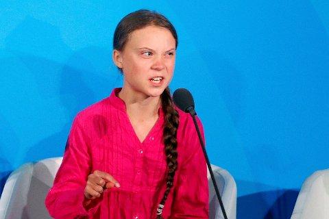 Greta Thunberg tok for ett år siden initiativet til en skolestreik for å rette søkelyset på skadelige klimautslipp og global oppvarming, og satt alene utenfor den svenske Riksdagen. Mandag refset hun verdens ledere i en tale under FNs klimatoppmøte.