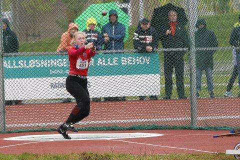 BRONSE: Tirill Lappegård ble nummer tre i slegge.