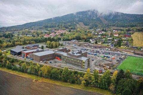 FORESLÅR HAKADAL: Navnet på den nye skolen skal avgjøres i kommunestyret mandag. Nå foreslås Hakadal som navn på den nye skolen.