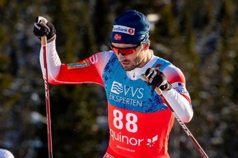 SUVEREN:Hans Christer Holund under 15 km fri teknikk for herrer på Beitostølen.