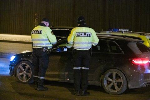TATT: En etterlyst mann i 30-årene fra Hakadal ble i går tatt av politiet i en kontroll på Gjelleråsen.