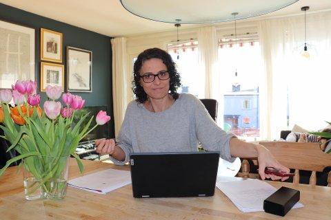 BYTTER JOBB. Kommunikasjonsrådgiver Siri Gjelsvik avslutter engasjementet i Nittedal kommune 15. november og starter ny jobb med internkommunikasjon i Statnett. Hun vil også fortsette å skrive bøker ved siden av arbeidet.