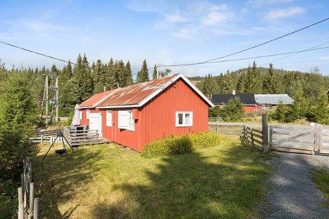 SELGES: Den hytta ved Skjervetråkket er til salgs.